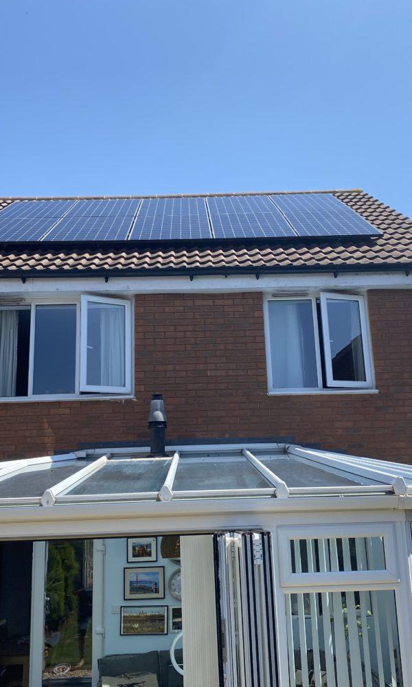 Market Leading Solar Panels with Energy Storage