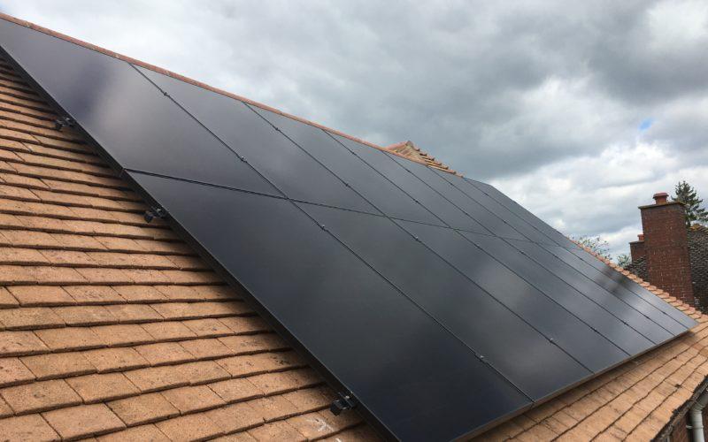 """5.25kWp SunPower Maxeon """"all black"""" Solar Panels"""